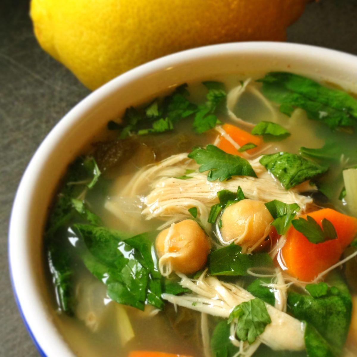 Ароматна пилешка супа