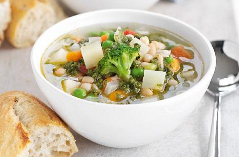 Зеленчукова супа с риба тон