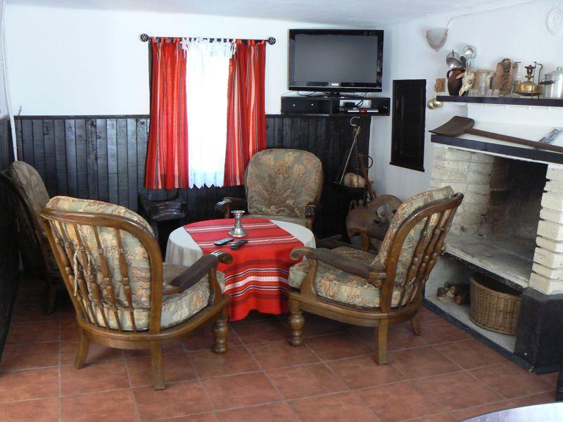 Къща за гости с басейн ЕСЕ до Габрово